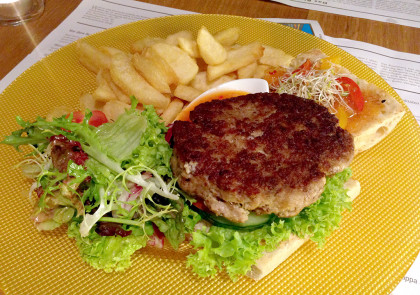 Burger-Patty mi Pommes
