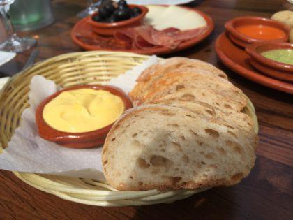Brot mit Aioli