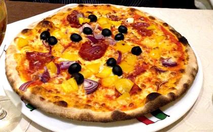 Pizza Paprika Oliven